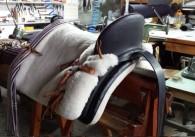 silla de montar vaquera lisa rayada artesanal Guarnicioneria béjar